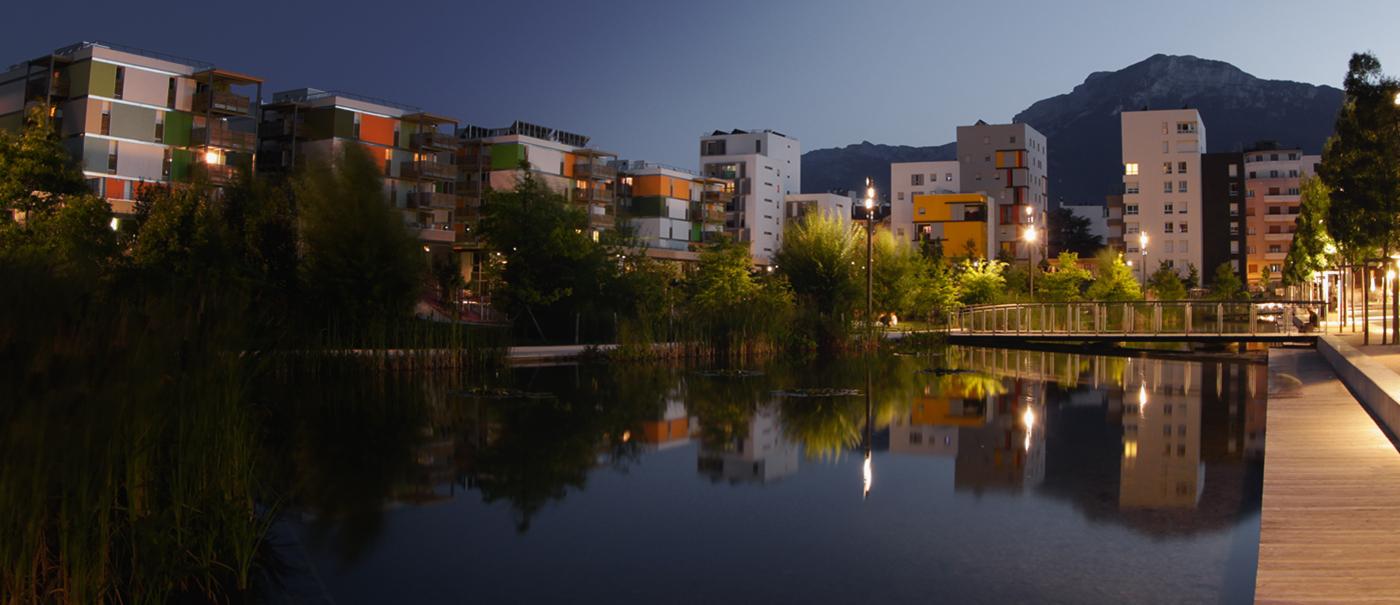 Town scene. Credit: https://www.eauxdegrenoblealpes.fr